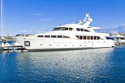 vip-yacht